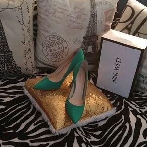 Super hotie shoes 👠💄💍🕶️ by: NINE WEST